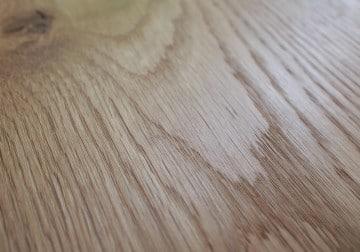 Gebürsteter Holzboden