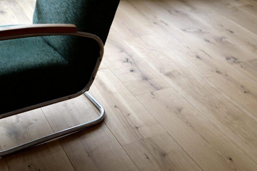 dielenboden wei good with dielenboden wei eiche cordillera von wohngesund with dielenboden wei. Black Bedroom Furniture Sets. Home Design Ideas