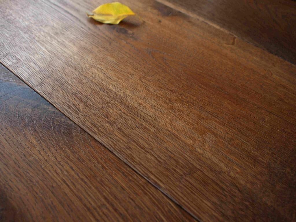 Eichendielen Räuchereiche · Eichenparkett Räuchereiche · Parkett Räuchereiche · Parkett Holzdielen Räuchereiche