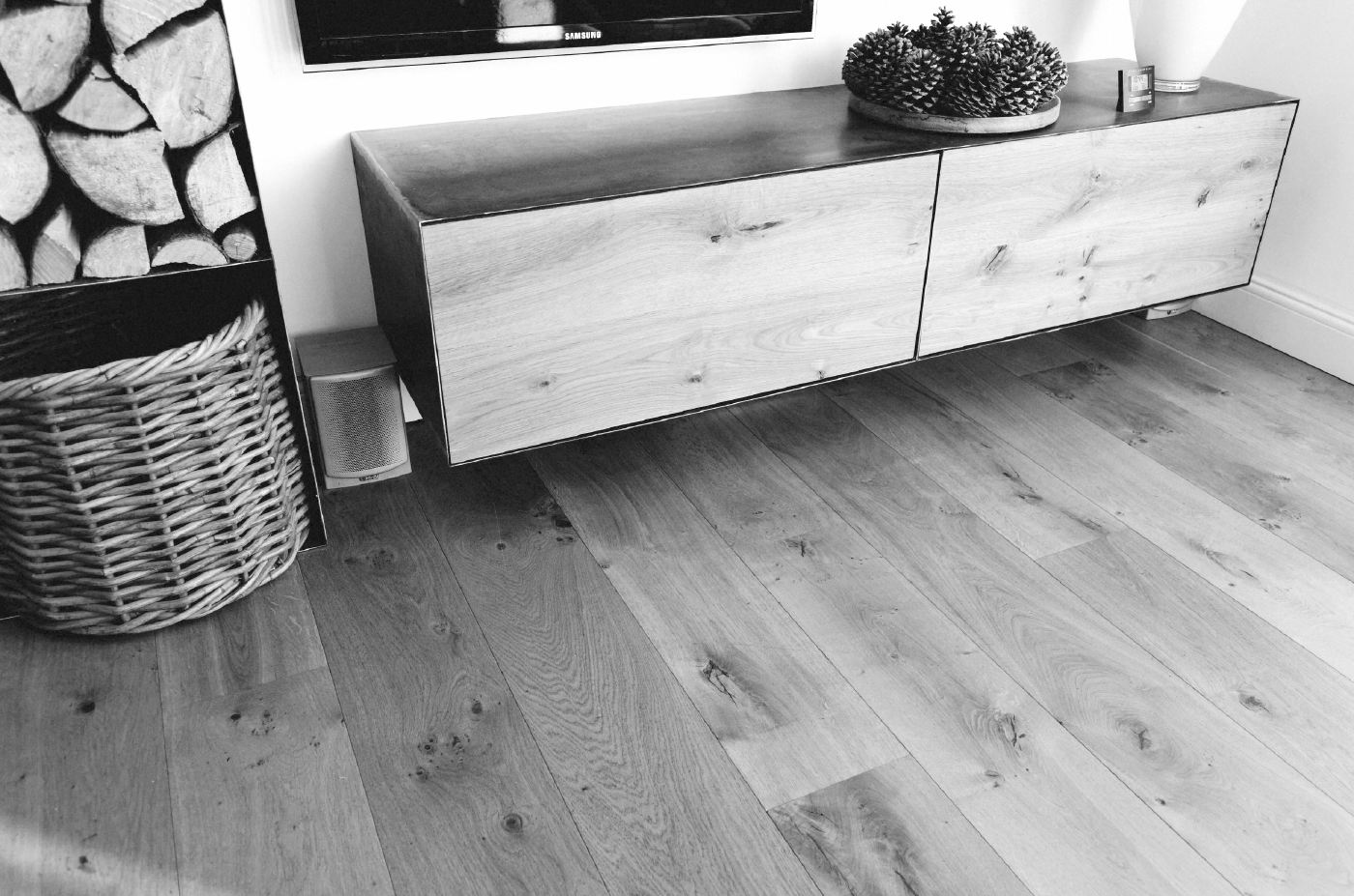 massivholzdielen eiche rustikal. Black Bedroom Furniture Sets. Home Design Ideas