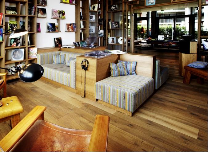r uchereiche landhausdielen parkett. Black Bedroom Furniture Sets. Home Design Ideas